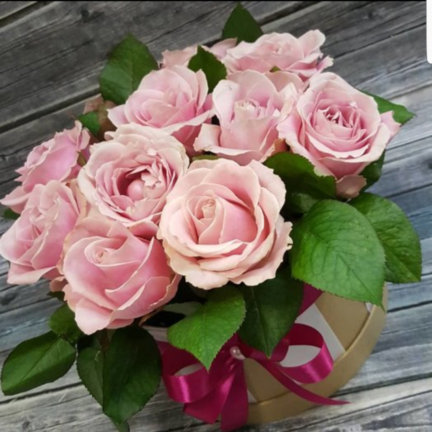 Коробочка с розовыми розами