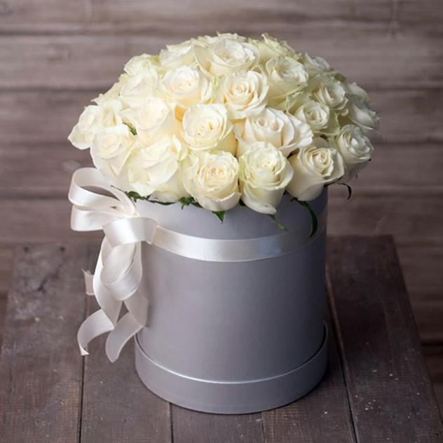 Аквабокс белых роз
